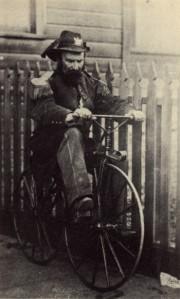 Kaiser Norton auf Fahrrad